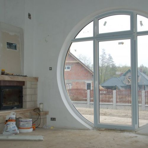 okno białe okrągłe